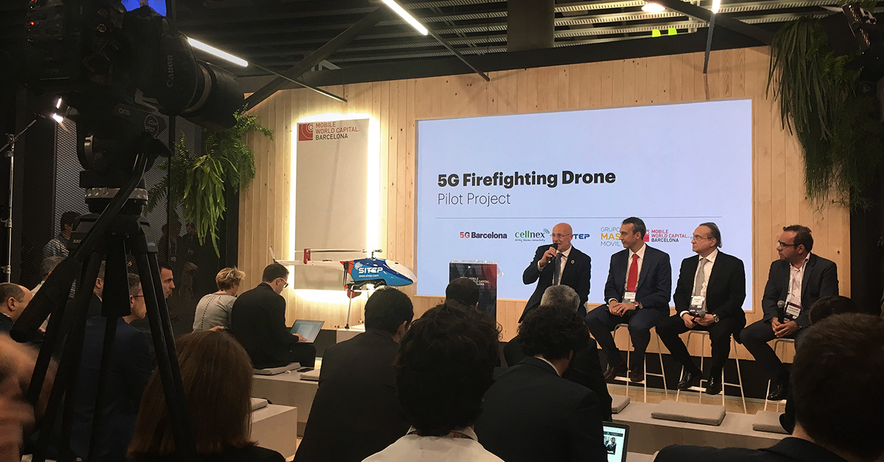 Presentación dron contra incendios en MWC - 5G Firefighting drone developed in Barcelona